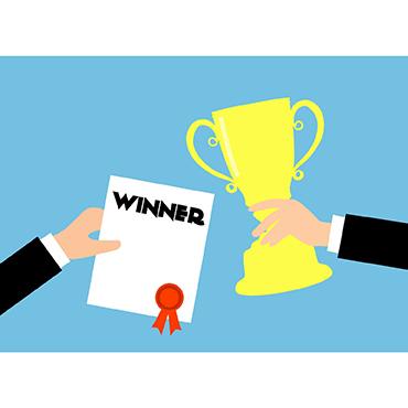 Le CLARA a remis le prix de la meilleure communication à à Solène Delorme, du laboratoire IMoST
